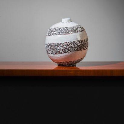 PRIMAVERA (1912-1972) France Vase boule Grès émaillé polychrome à décor de craquelures...