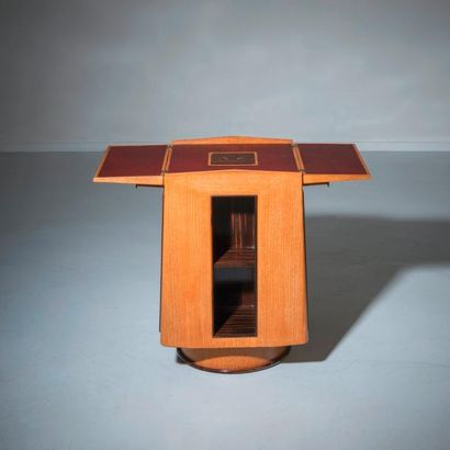 MAXIME OLD (1910-1991) France Table bibliothèque tournante à rabats Chêne, ébène...