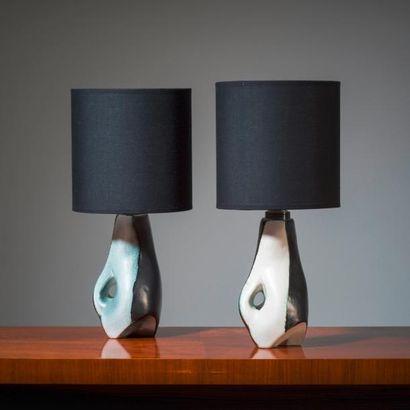 JACQUES BLIN (1920-1995) France Paire de lampes de table dites «Biomorphiques» Grès...