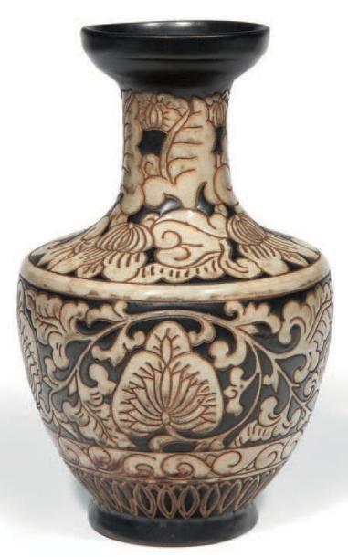 VASE Vase à col ouvert en grès émaillé crème...