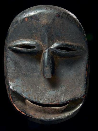 UN ANCIEN MASQUE DE SINGE SOKOMUTU, à la...