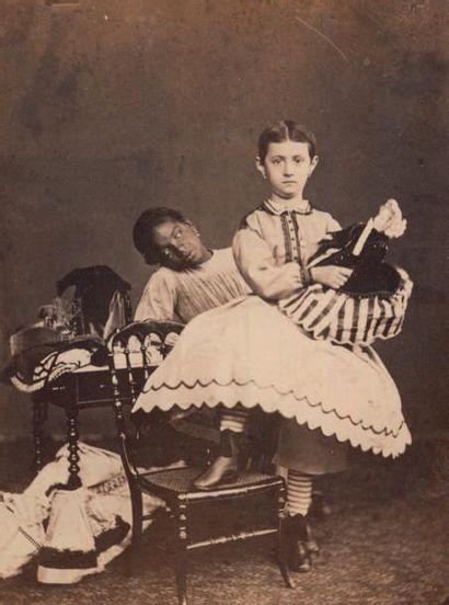 ALBERT EYCKERMANS (ÉCOLE BELGE) Noire et Blanche, Île de la Réunion, vers 1860 Épreuve...