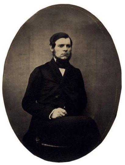 Cercle de Gustave LE GRAY Homme assis, vers 1855 Épreuve sur papier salé d'après...