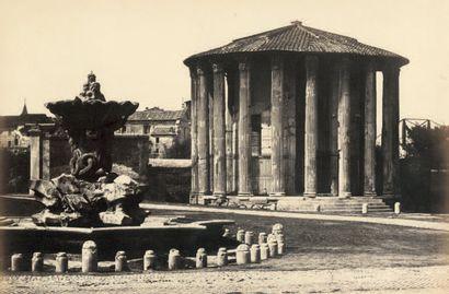 ROBERT MAC PHERSON Rome, Temple de Vesta vers 1855 Épreuve sur papier légèrement...
