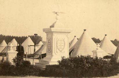 MILITARIA, SECOND-EMPIRE 10 photographies 1857-1869 «Souvenir du camp de Chalons»,...