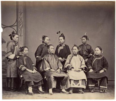 MILTON MILLER Réunion de femmes chinoises, vers 1865 Épreuve sur papier albuminé...