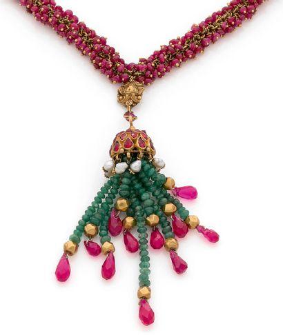 Collier en or 18K (750) cousu de perles de...