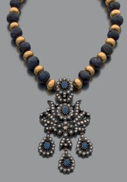 Collier de perles de saphirs et de perles...