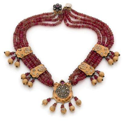 Collier multi-rangs de perles de tourmalines...