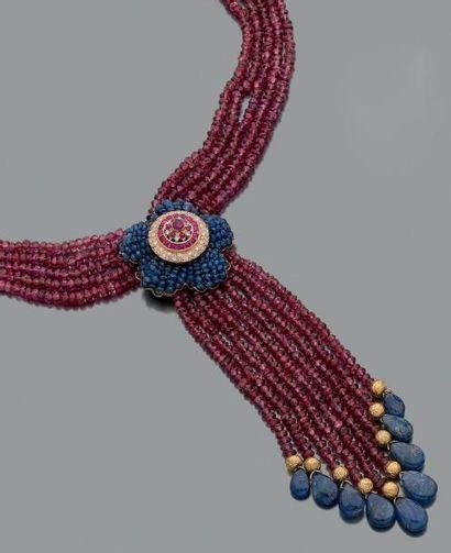 Collier multi-rangs de perles facettées de...