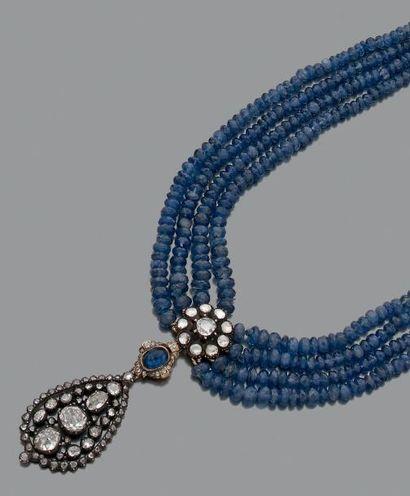 Collier multi-rangs de perles de saphirs...