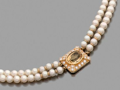 Collier de deux rangs de perles de culture,...