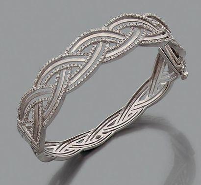 Bracelet en or gris 18K (750) tressé, agrémenté...