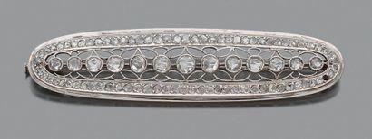Broche-barrette en or gris 18K (750), ajourée...