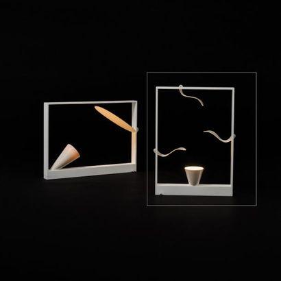 ANDREA BRANZI | Né en 1938 | Italie Lampe de table modèle «Ellisse» issue de la série...