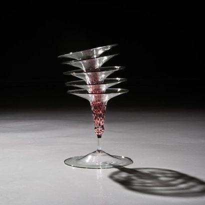 ANDREA BRANZI | Né en 1938 | Italie Vase soliflore modèle «Nasturzio» issu de la...