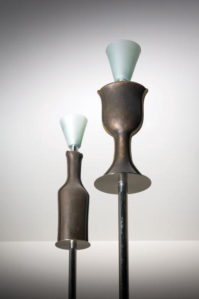 ANDREA BRANZI   Né en 1938   Italie Lampadaire modèle «Bottiglia Alta» issu de la...