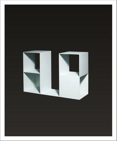 Sol Lewitt (1928-2007) 2/2 Two Two-part pieces, 1968 Sculpture en acier laqué blanc....