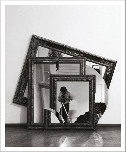 Michelangelo Pistoletto (né en 1933) The form of the miroir, 1975-1978 De la série...