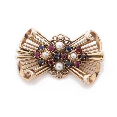 BROCHE en forme de noeud papillon serti de...