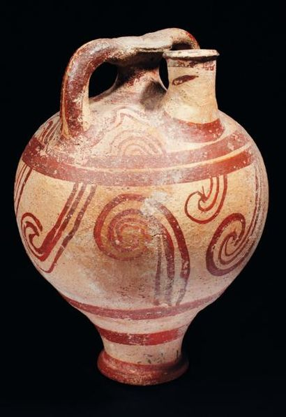 Grand vase à étrier orné sur la panse de...