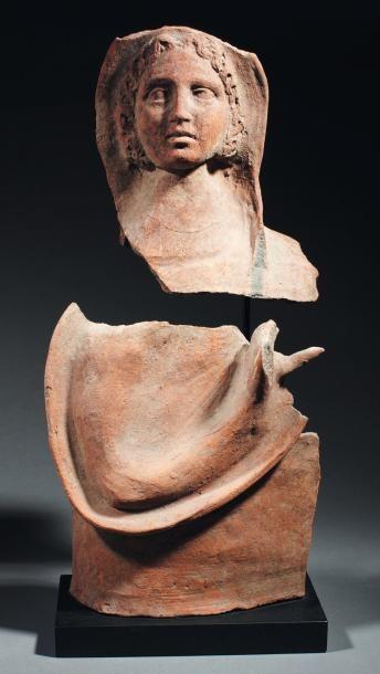 Buste votif représentant une jeune femme,...