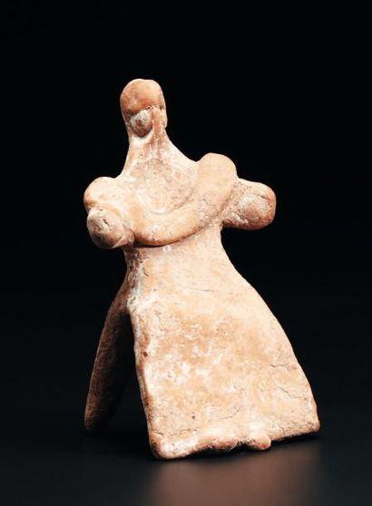 Statuette représentant une déesse assise,...