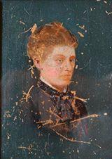 Portrait de femme en robe noire Huile sur carton, monogramme A.L en bas à droite...