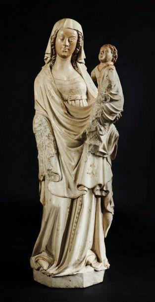 Grande Vierge à l'Enfant en pierre calcaire...