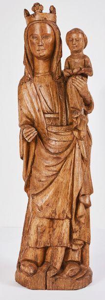 Vierge à l'Enfant en chêne sculpté avec infimes...