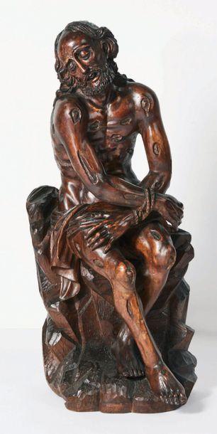 Christ aux liens en bois sculpté et patiné,...