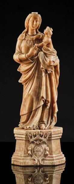 Vierge à l'Enfant en albâtre sculpté en ronde-bosse...