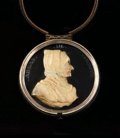 Portrait de profil droit en buste d'Armand...