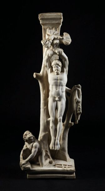 Marsyas en marbre sculpté inspiré de l'antique....