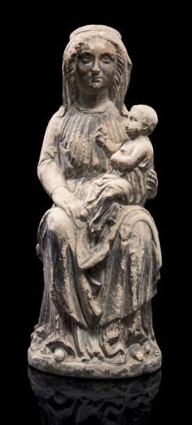 VIERGE À L'ENFANT assise en pierre sculptée...