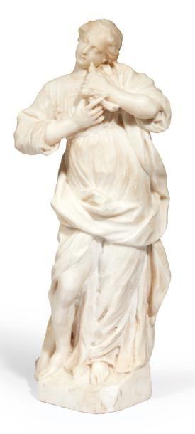JEUNE FILLE À LA COLOMBE en marbre sculpté...