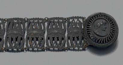Paire de bracelets en fonte de Berlin, articulé...