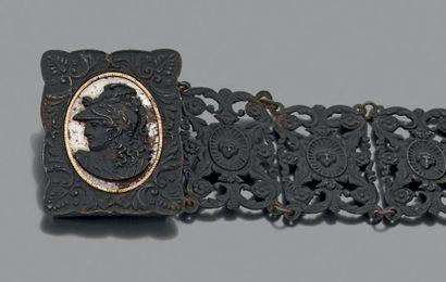 Bracelet en fonte de Berlin articulé de 6...