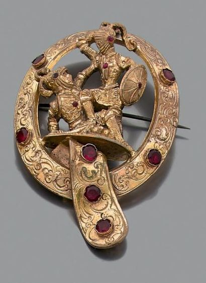 Broche en métal de forme ovale, sculptée...