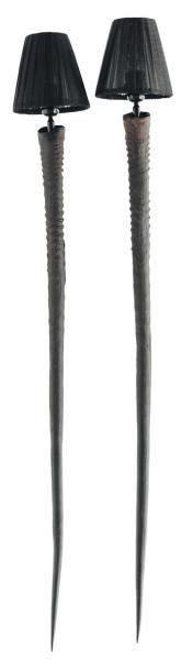 Paire d'appliques en cornes d'oryx. H_100...