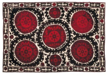 Suzani Asie Centrale, vers 1920. H_300 cm...