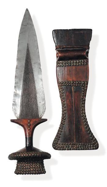 Couteau N'Gombe à manche en bois et lame...
