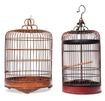 Deux cages à oiseaux dans le goût chinois....