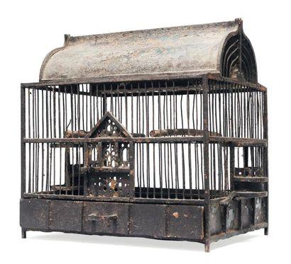 Cage à oiseaux en tôle. H_49 cm L_47 cm P_35...