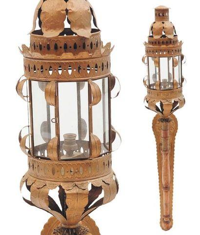 Deux appliques lanternes Travail italien...