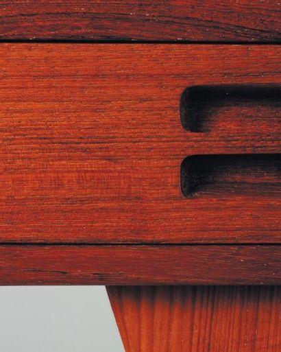 NANNA DITZEL (1923-2005) Bureau. Teck. Réalisé par Soren Willadsen, 1954. H_72 cm...