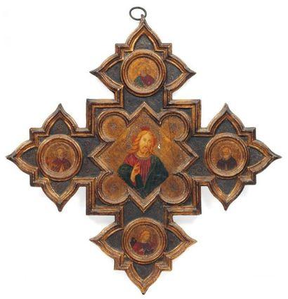 ECOLE ITALIENNE DU XIXe SIÈCLE, DANS LE GOÛT DU XVe SIÈCLE Croix avec panneau rectangulaire...