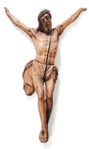Important Christ en chêne sculpté. tête ceinte...