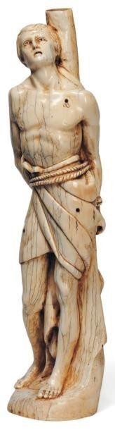 Grand saint Sébastien en ivoire sculpté en...