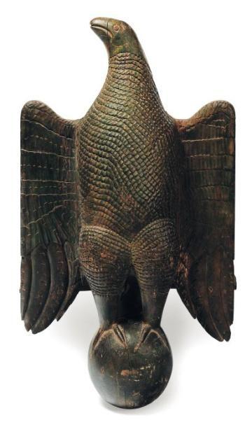 Important aigle de lutrin en bois sculpté...